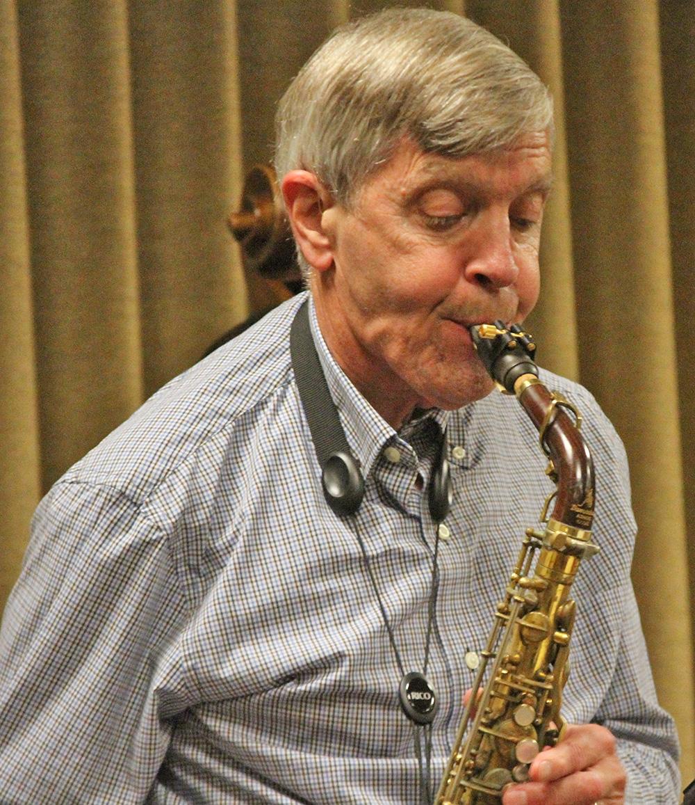 Jamey Aebersold playing saxophone